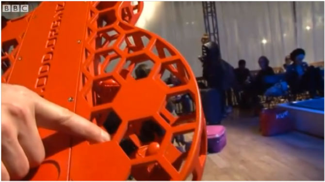 BBC News review of 3D printing show in London